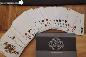 How to Choose the Right Poker Cards